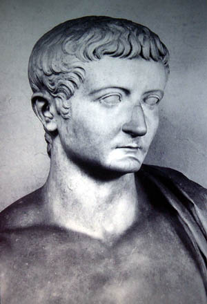 tiberius gracchus would be saviour or Pattern of decline rome's failure to adapt its city-state style government to ruling an empire triggered a century long pattern of events that would eventually lead to fall of the old oligarchy led by the senate.